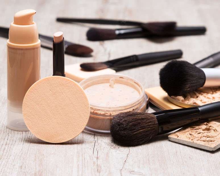 how to use makeup brushes properly